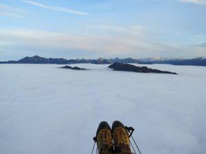 Gleitschirmflug Wolken Nebelmeer